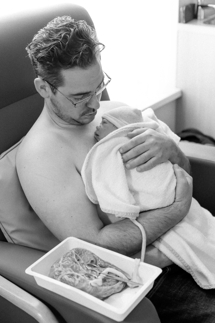 Positief bevallen - bevallen op eigen kracht - hands off bevalling - badbevalling - mooie bevallingsverhalen - bevalling derde kindje