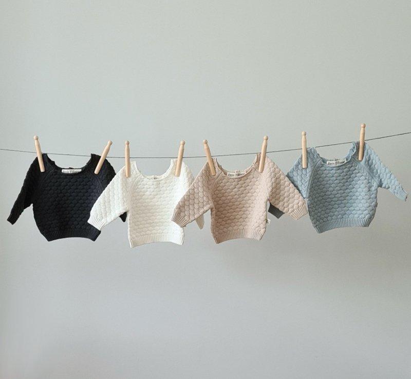 Knitted sweater - cotton - petit filippe - newbornfotograaf eindhoven son en breugel blog tot 10 favoriete baby- en kinderkleding merken