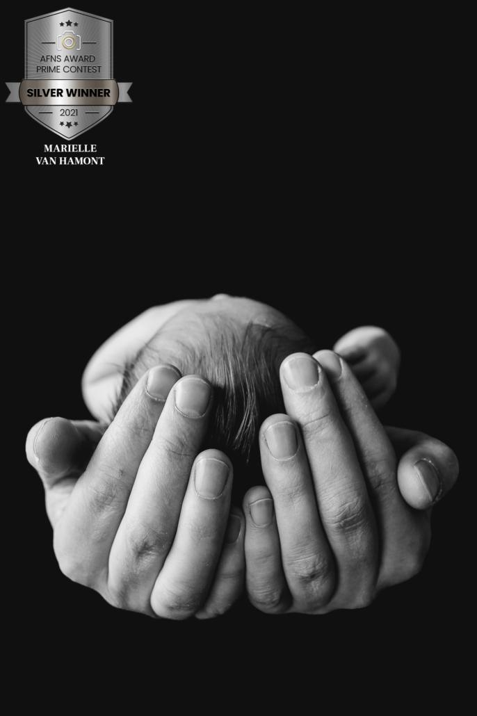 Newbornsessie Niels - Nebwornfotograaf _ hamontfotografie - Babyfotografie - Babyfotoshoot - babyfotograaf - studiofotograaf - fotograaf best - fotograaf eindhoven - award winnende fotograaf - award winnende foto